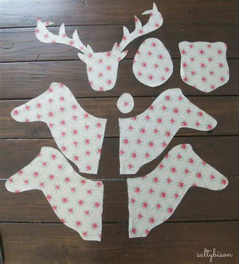 pattern for fabric reindeer deer heads deer and deer pattern on pinterest