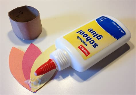 How To Make Rolling Paper Glue - creative crafts for creative