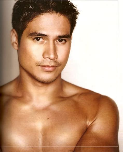 pinoy gigs blog hot and new concerts music celebrity startriga startriga celebrity of the week piolo