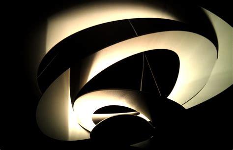 wallpaper abstrak gelap gambar sayap cahaya abstrak gelap bayangan
