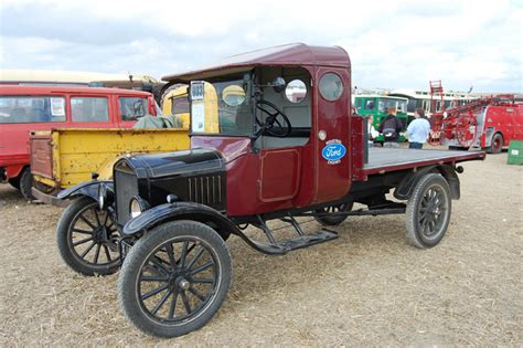1409559998 les tracteurs complete la www collection agricole fr