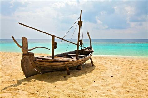 fishing boats in indian ocean 1000 images about indian ocean on pinterest small