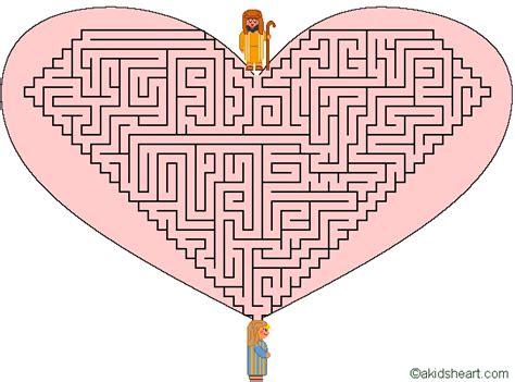 printable heart maze valentine maze 2