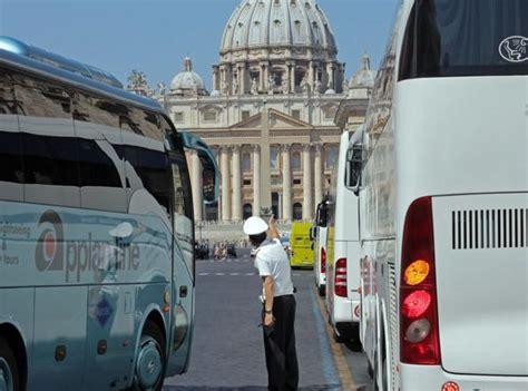 agenzia mobilita roma turistici il 12 dei turistici 232 abusivoin co 23 agenti della
