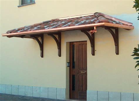 tettoie per portoni esterni pensilina in legno con archi provincia di modena