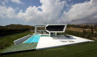 futuristic houses futuristic quot yacht house quot lures with a luxurious lifestyle