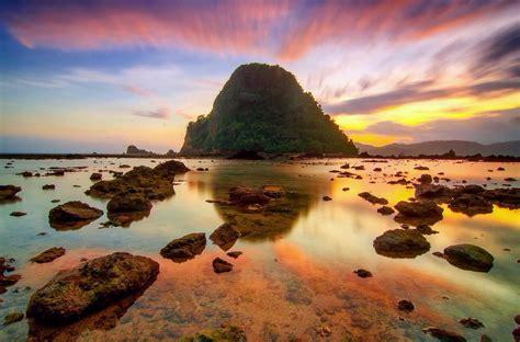 sunset pulau merah xplorea