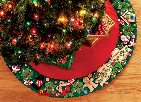 mary s wreath 42 quot bucilla felt christmas tree skirt kit