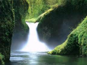 beautiful waterfalls girl in love you re beautiful