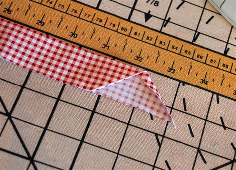 quilting tutorial worry free bias binding 119 best sewing bias and binding images on pinterest