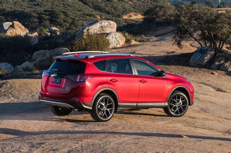 Toyota Rva4 Toyota Rav4 Reviews Research New Used Models Motor Trend