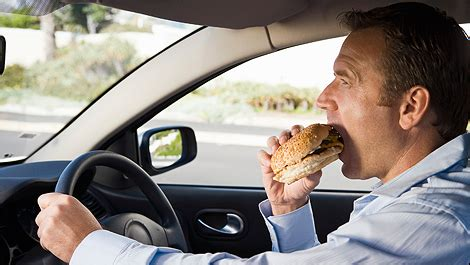 10 most dangerous foods to eat while driving according to nhtsa car news auto123