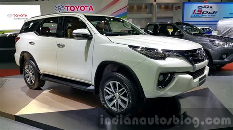 toyota motors india new toyota fortuner to launch in india during diwali