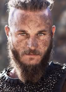 what is going on with travis fimmels hair in vikings ragnar travis fimmel vikings pinterest sexy