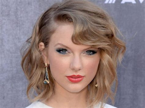 what colours does taylor swift use for ash blonde hair ultra hot blonde hair color solutions for summer 2014