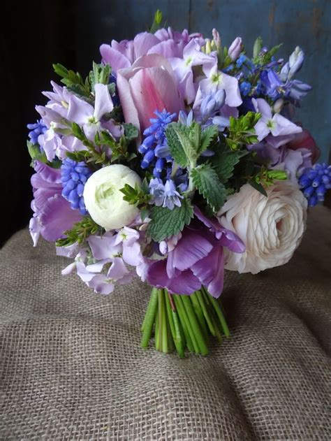 5 of the prettiest spring wedding bouquets ever 303 best images about seasonal spring flowers on pinterest