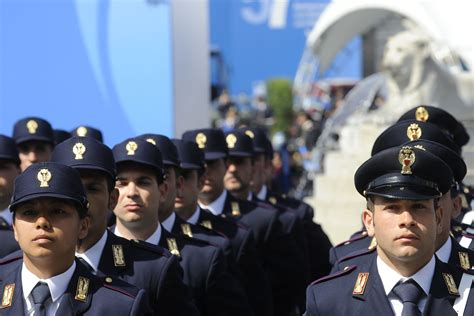 concorsi interni polizia di stato concorsi polizia di stato 2017 ecco i bandi di febbraio e