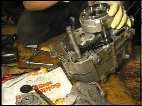 honda atc  engine  top  rebuild youtube