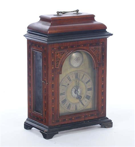 orologi da tavolo in legno orologio da tavolo con cassa in legno intarsiato asta