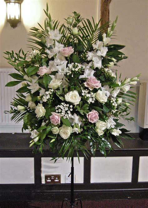 Flower Pedestal Wedding Flowers Blog Nikki S Classic Green White And