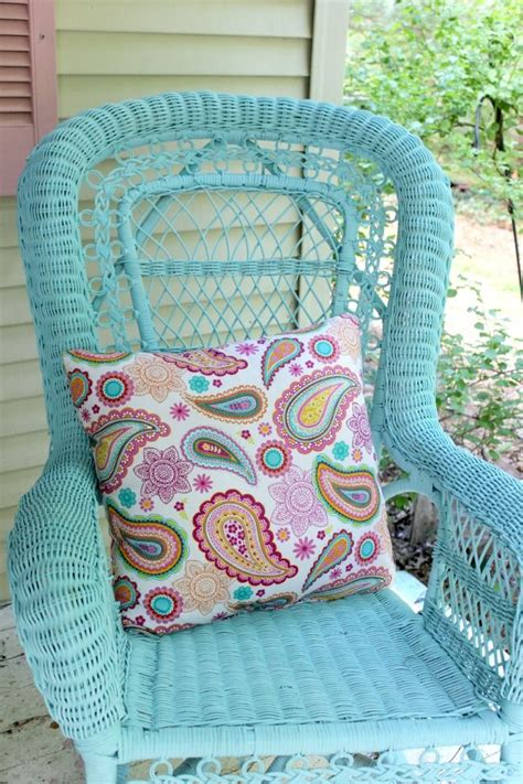 spray painting wicker chairs 1000 ideas about spray paint wicker on