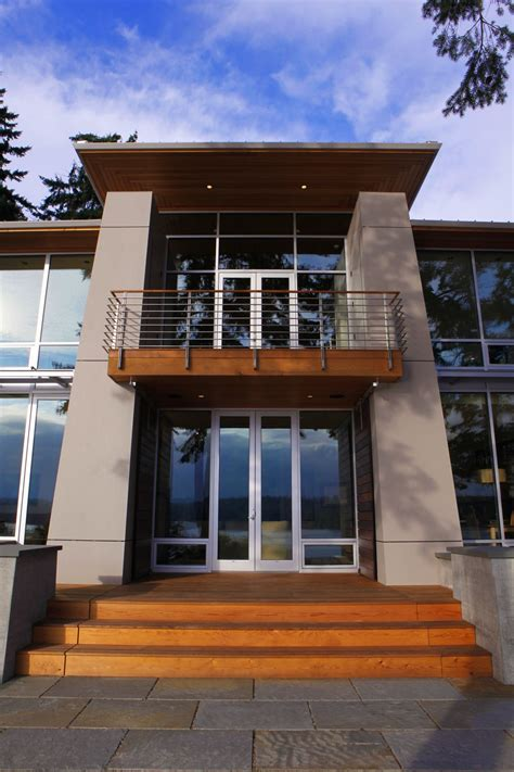 View House by Designed For A Newly Retired Olympic View House