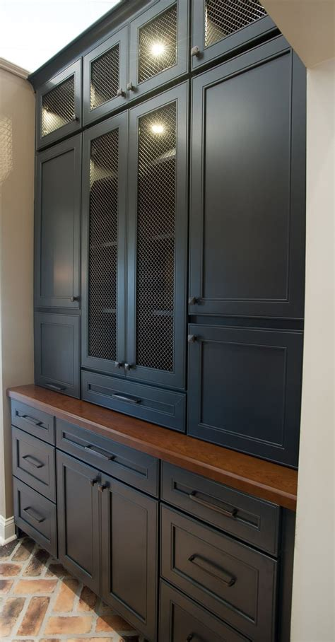Wellborne Cabinets by Butler Pantry And Bar Design By Dalton Carpet One Wellborn