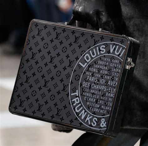 Sepatushoes Branded New Model Sneakers Lv 3 Miror Hq louis vuitton debuts new monogram eclipse print at s fall 2016 show reviews luxury