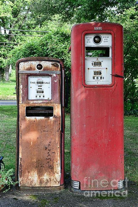 antique gas l globes 17 best images about vintage oil cans gas pumps on