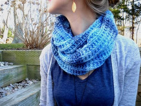 knit infinity scarf patterns blues infinity scarf free pattern knit cro cowl