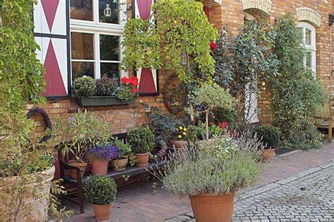 kleiner garten mediterran gestalten vorgarten anlegen