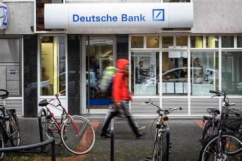 deutsche bank ban big banks use loophole to avoid ban wsj