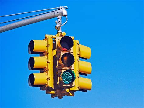 traffic light san jose tests connected signals traffic light predicting