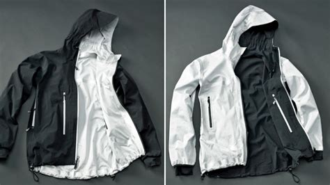 Jaket Cewe Cool 1 all season jacket turns inside out to keep you warm or cool