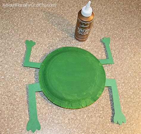 How Do You Make A Frog Out Of Paper - how to make a frog from paper plates about family crafts