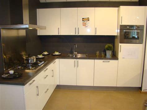 witte hoogglans hoekkeuken keukenstekoop nl het grootste keukenaanbod van nederland