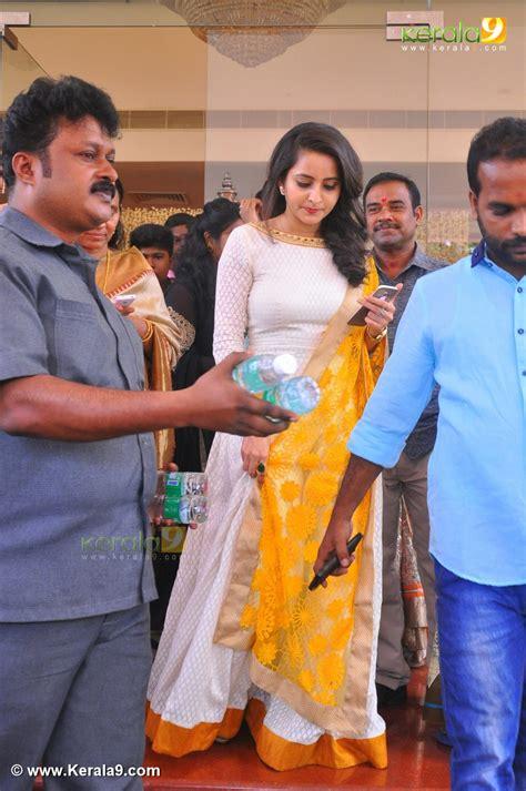 film actress marriage photos malayalam bhama at malayalam actress radhika marriage photos 0093