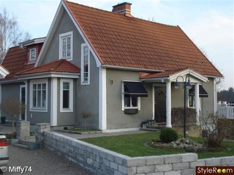 house color grey white trim roof fox grey walls the roof and grey