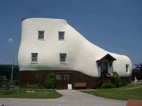 the shoe house pa haines quot shoe house quot hellam pa usa strange weird wonderful and cool buildings