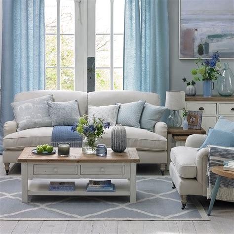 Coastal living rooms to recreate carefree beach days