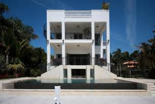 lebron james miami house lebron james 9 million house in miami 171 twistedsifter