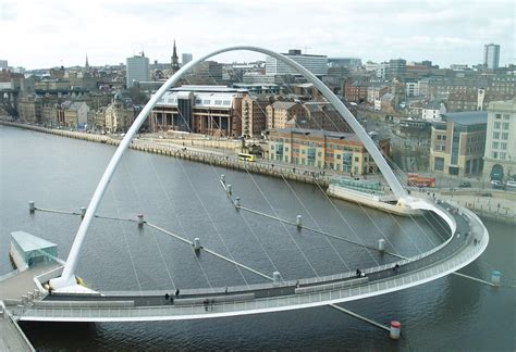 design engineer newcastle gateshead millennium bridge a bridge that rotates