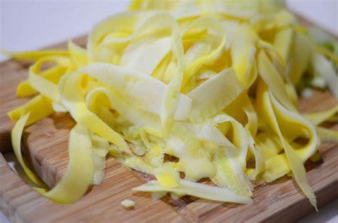 cuisiner courgette jaune recette tagliatelles de l 201 gumes et papillote au micro