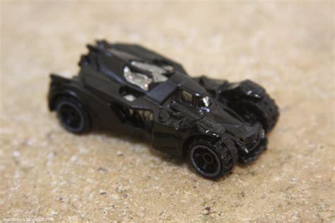 Batman Arkham Batmobile Hw City a year of toys 31 wheels batman arkham
