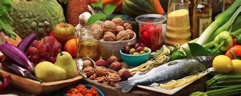 quali cibi e abitudini aiutano o disturbano il cibo e tumori ecco le abitudini alimentari che aiutano a