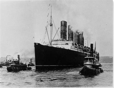 german u boat sinks the lusitania cause and effect steve johnson sinking of lusitania led the u s to war