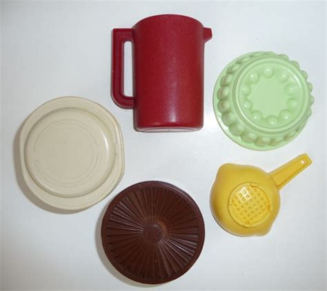 Tupperware Jello 197 best images about vtg kitchen fridge magnets on