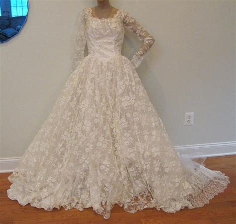1950 lace wedding dresses vintage 1950s ivory lace wedding dress bridal gown