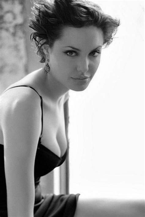 angelina jolie star celeb angelina jolie actresses in black white pinterest