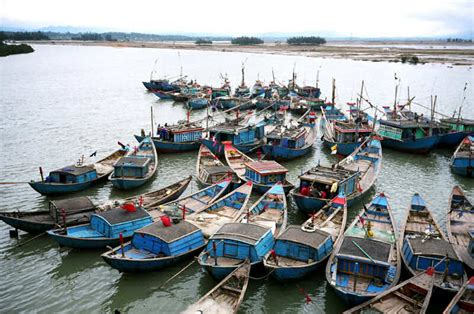 japanese fishing boat builders traditional wooden boats of vietnam design and construction